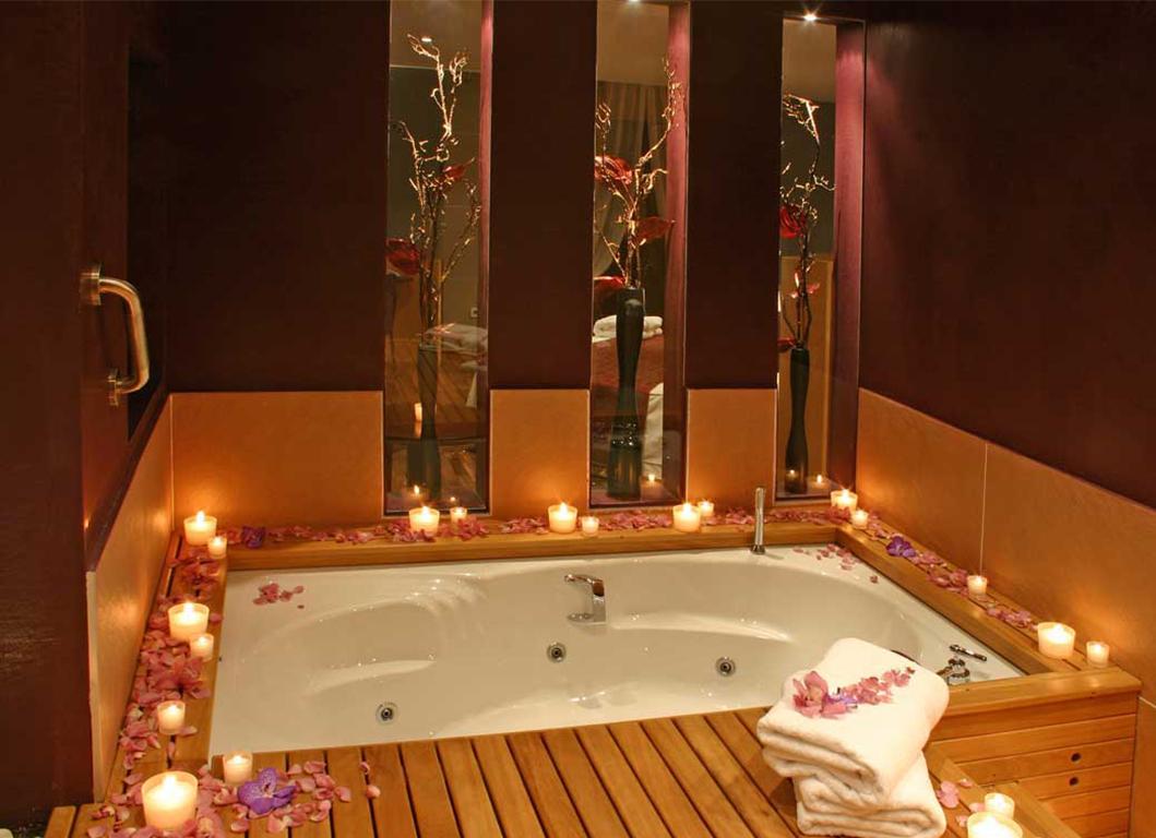 BARCELONA BATH ROMANTIC DESIGN by ROSA COLET INTERIOR DESIGN
