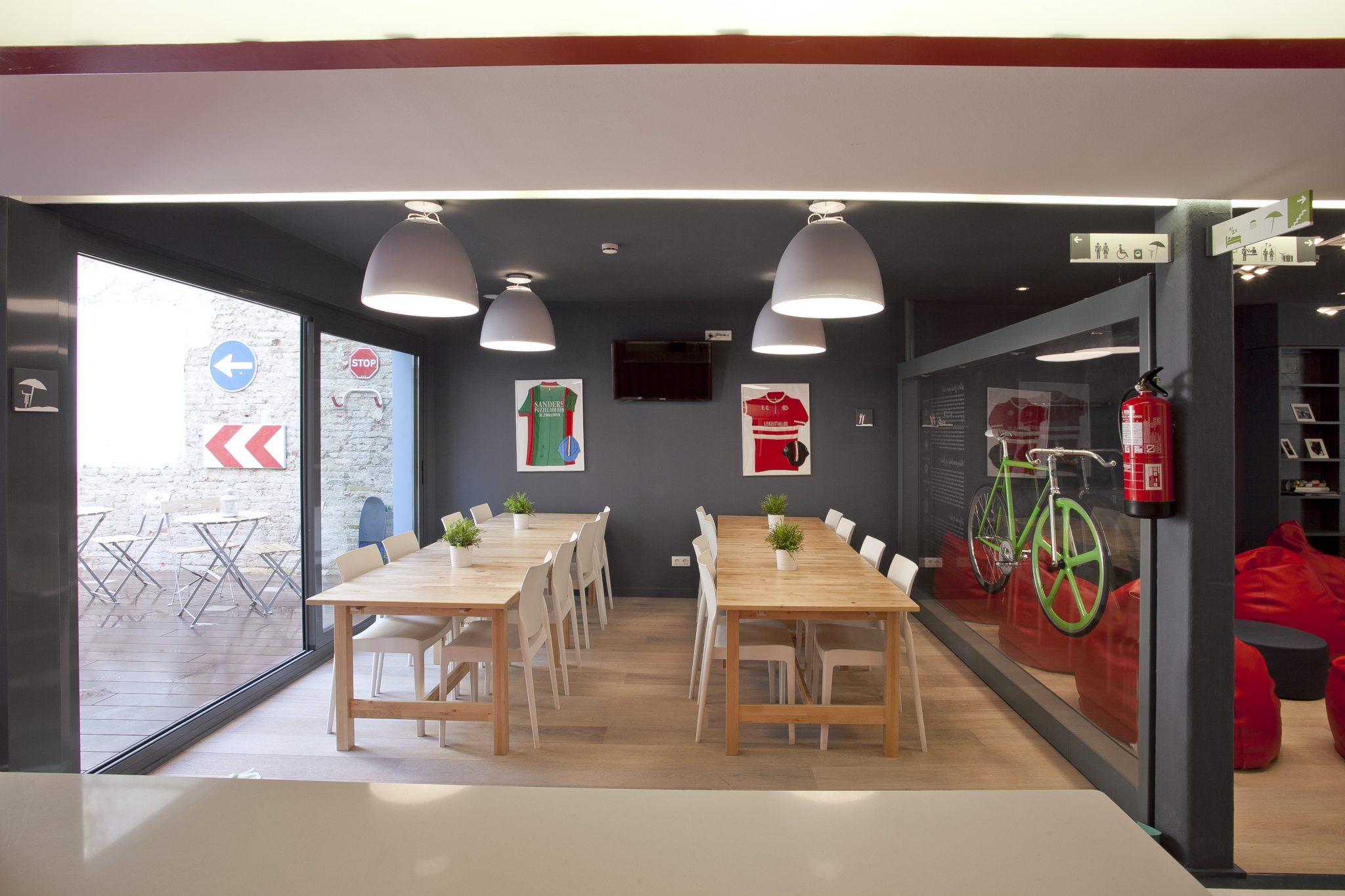 Sant Jordi Hostel Gracia Barcelona - Rosa Colet