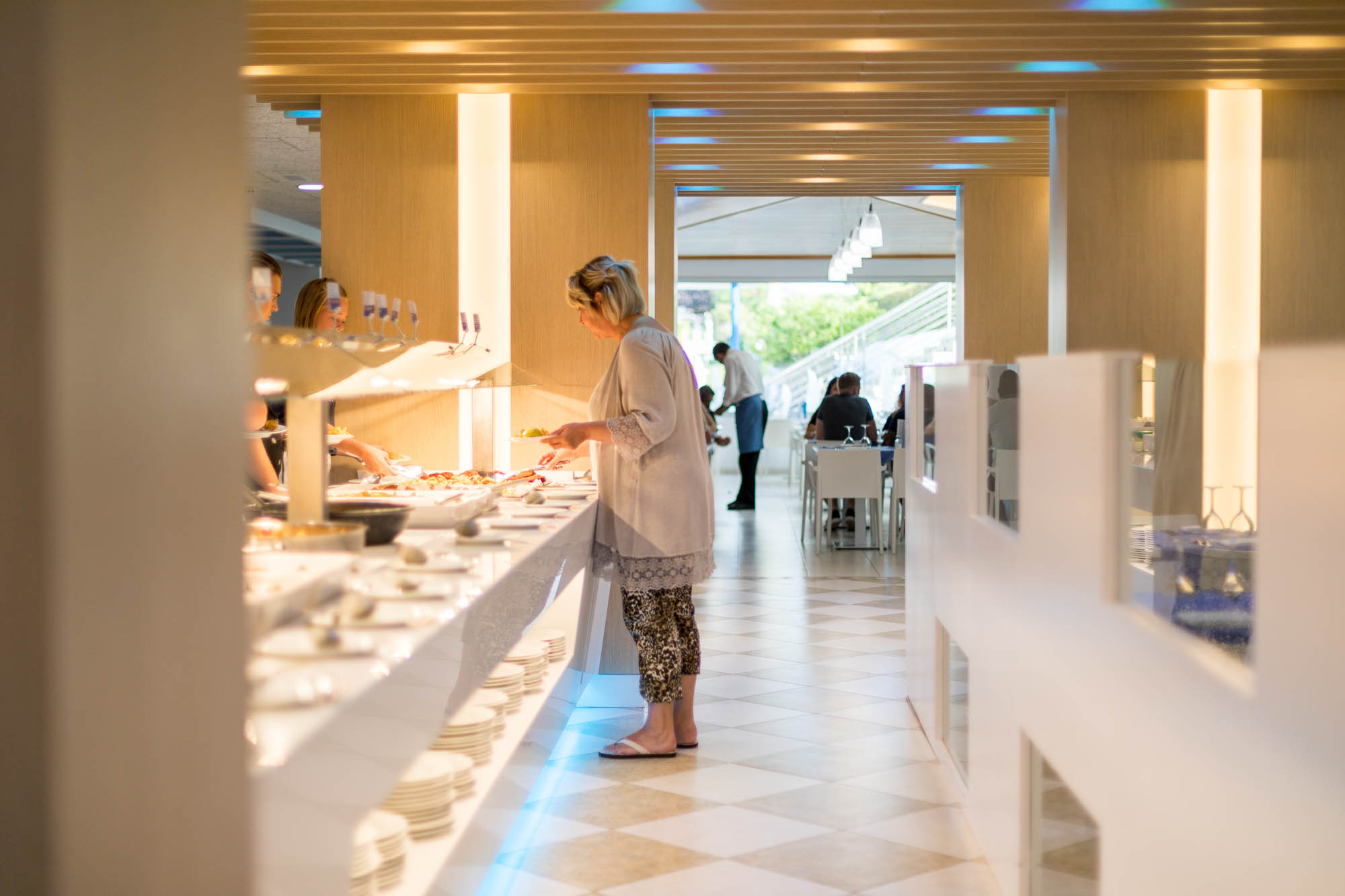 Buffet Hotel Odissea Park por Rosa Colet Interior Design