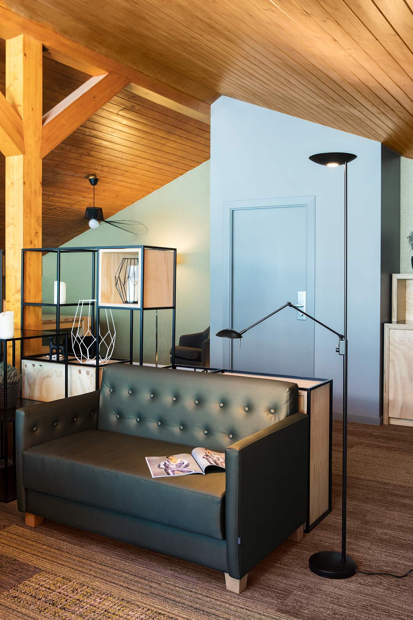 Sala Lounge Mountain Hostel en el Tarter, Grandvalira Andorra - Rosa Colet