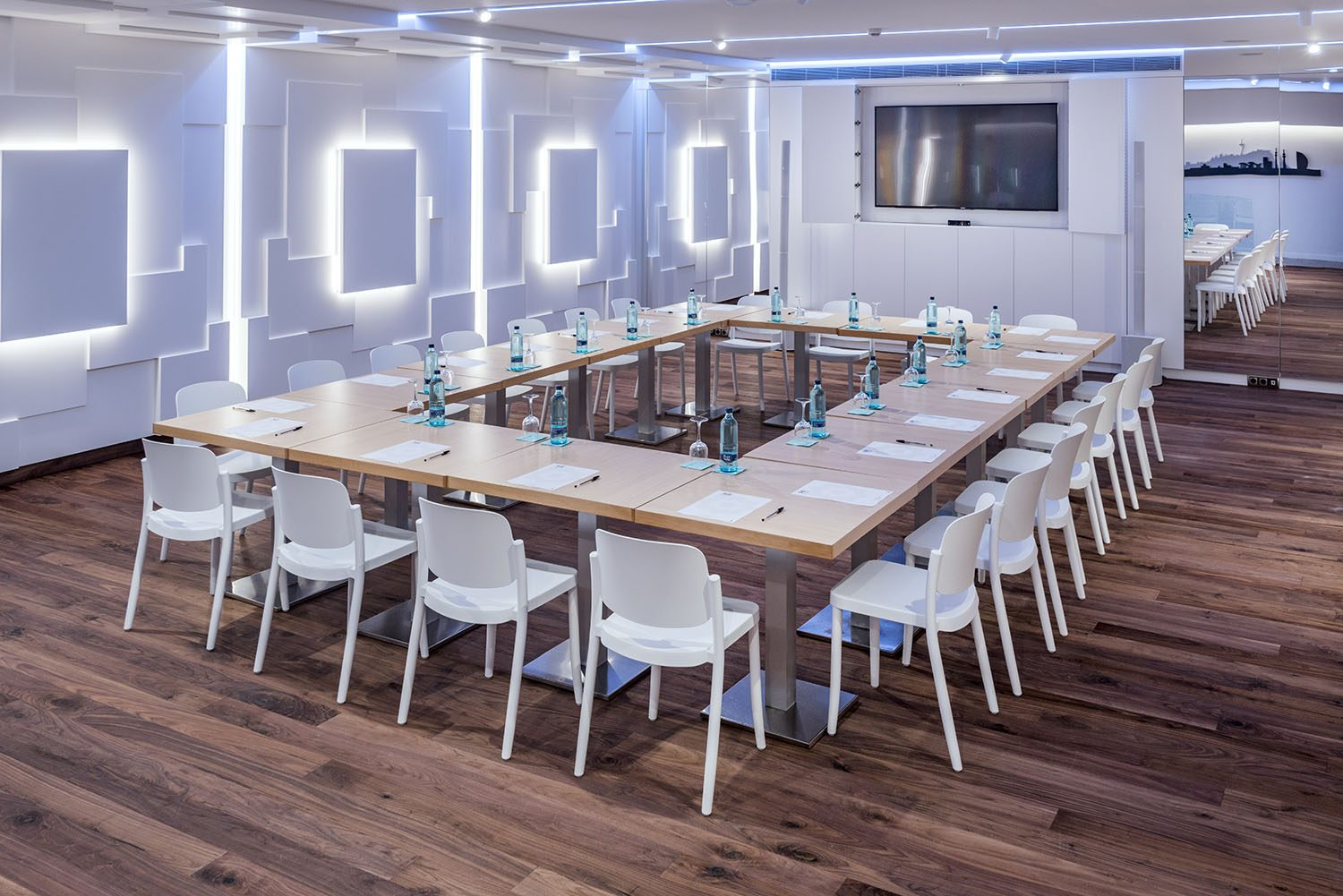 MEETING ROOM COWORKING HOTEL POR ROSA COLET