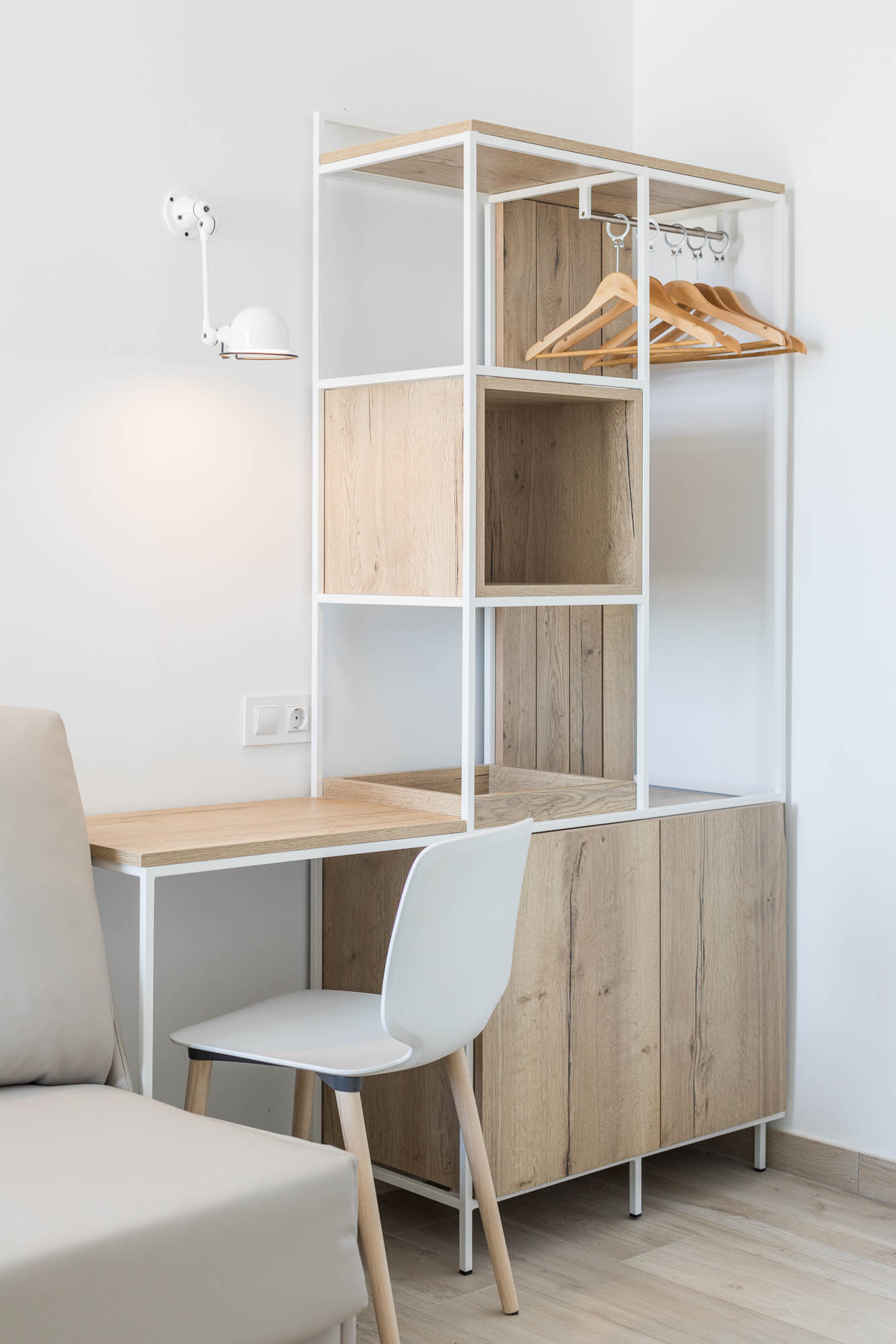 Armario HOTEL ROCATEL diseño por ROSA COLET INTERIOR DESIGN