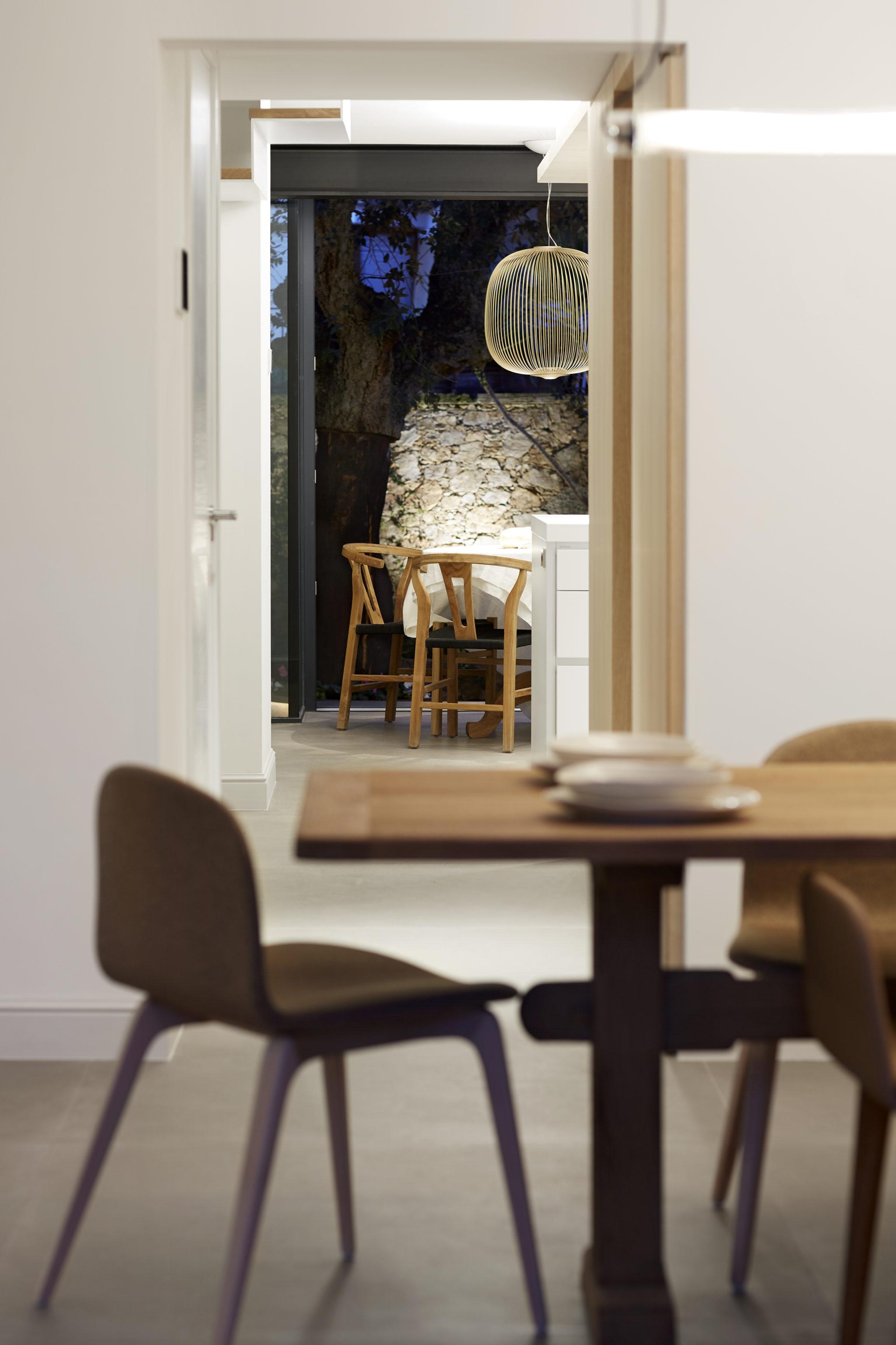 Comedor y Cocina casa llafranc por Rosa Colet