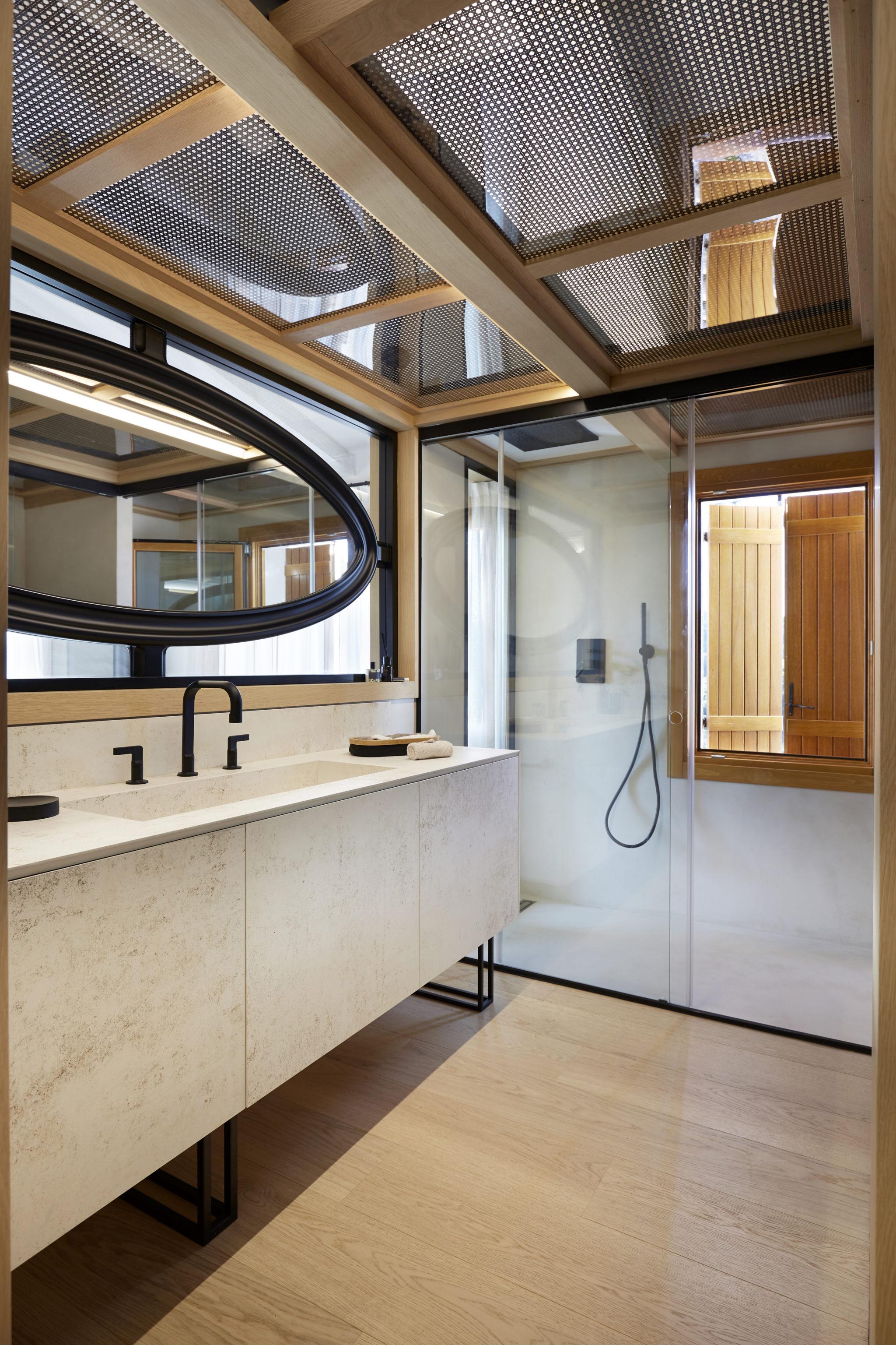 Baño in suite por Rosa Colet Interior Design