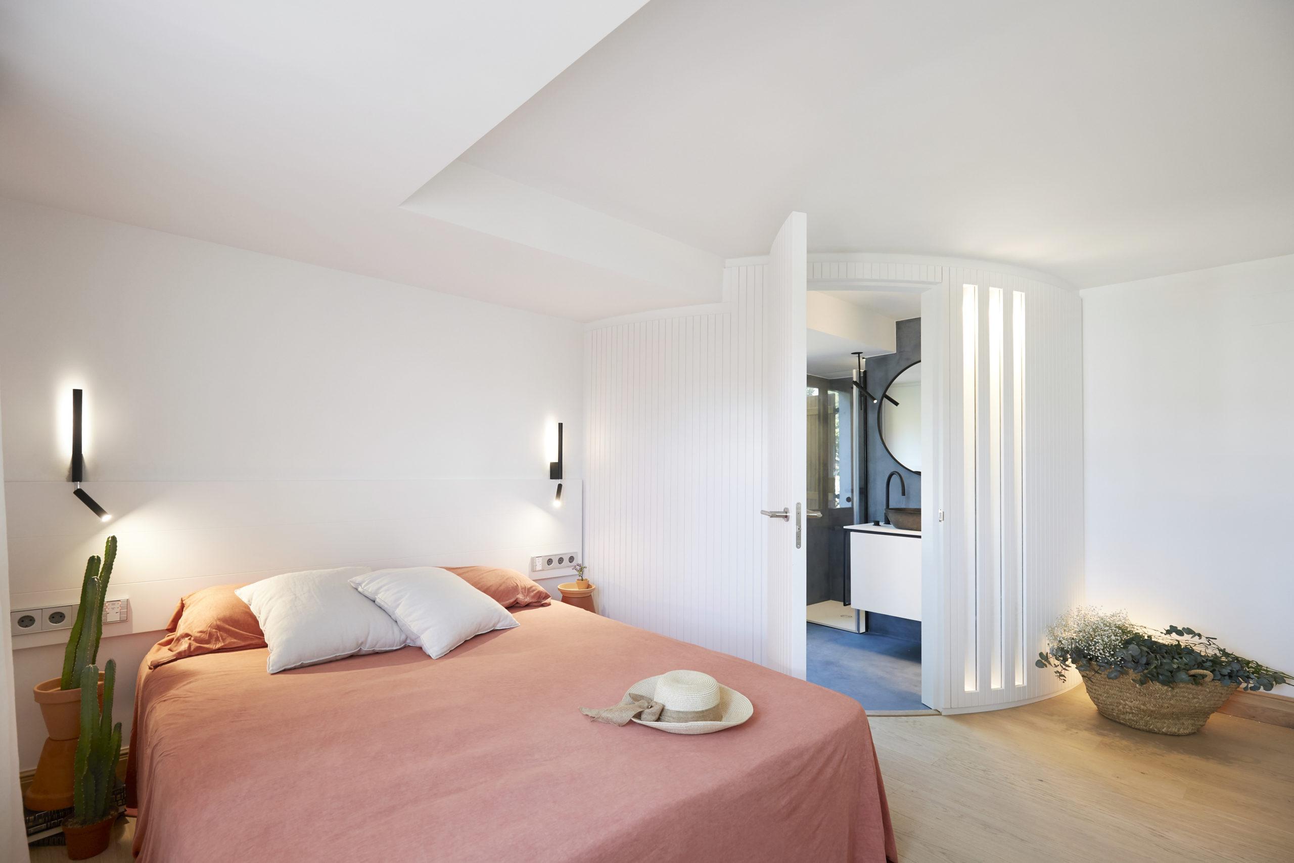 Suite con baño muy especial casa Llafranc por Rosa Colet