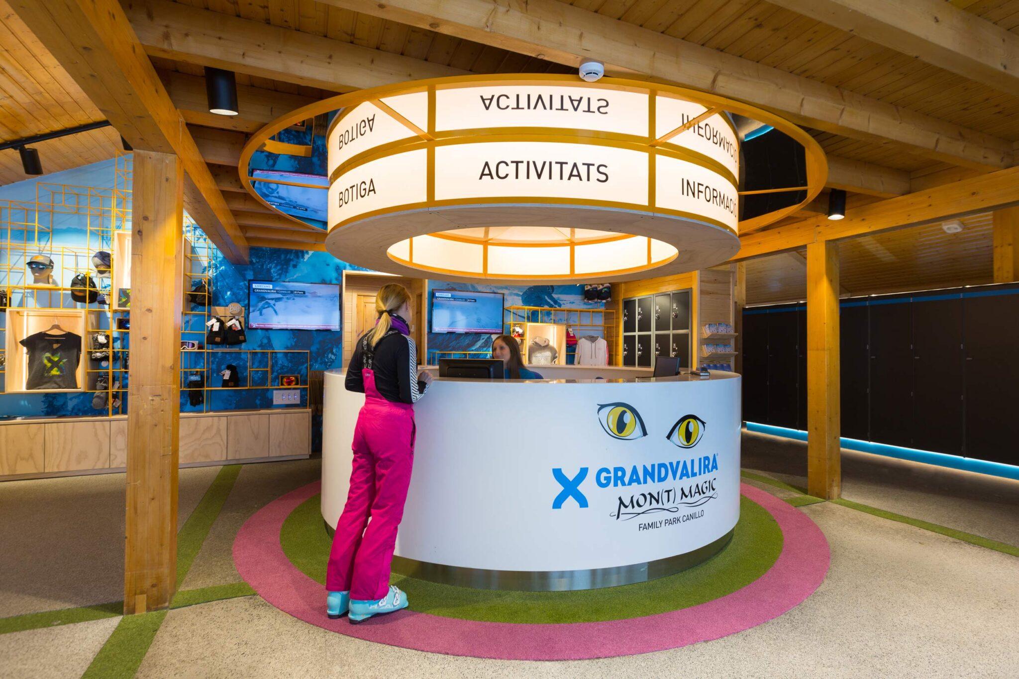Reception Desk Botiga Forn Grandvalira, Andorra - Rosa Colet