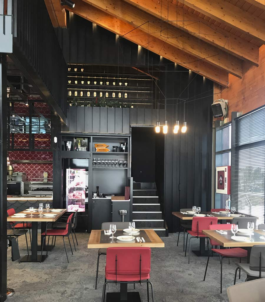 Restaurant Jean Leon Meat and Wine Bar Grandvalira, Andorra - Rosa Colet Design
